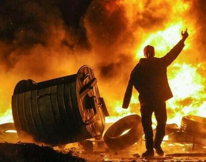 Δείτε φωτογραφίες «κόλαση» από τις συμπλοκές στο Κίεβο
