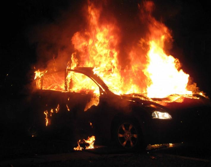 ΧΑΝΙΑ: Οι πυρκαγές σε Ι.Χ συνεχίζονται