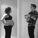 Της τραγουδάει και η κοιλιά της μεγαλώνει! Το πιο τρυφερό videoclip εγκυμοσύνης!