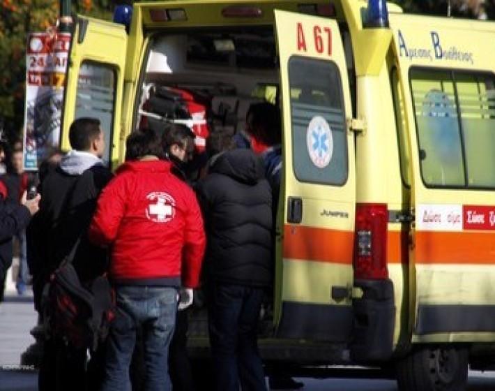 Σύγκρουση αυτοκινήτου με τρακτέρ στην εθνική οδό Ηρακλείου Πύργου. Δύο σοβαρά τραυματίες