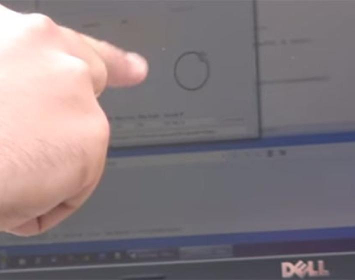 Ελληνική πατέντα: Σούβλισμα αρνιού με ένα δάκτυλο μέσω Η/Υ (video)