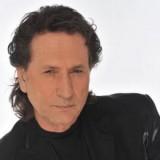 Χριστοδουλόπουλος: Θα κάνω τη Μέρκελ να τραγουδήσει το «Απορώ» και το «Προσκλητήριο»