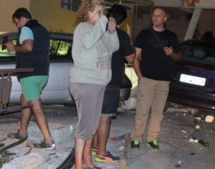 Αυτοκίνητο  εισέβαλε σε αυλή σπιτιού μετά από τροχαίο
