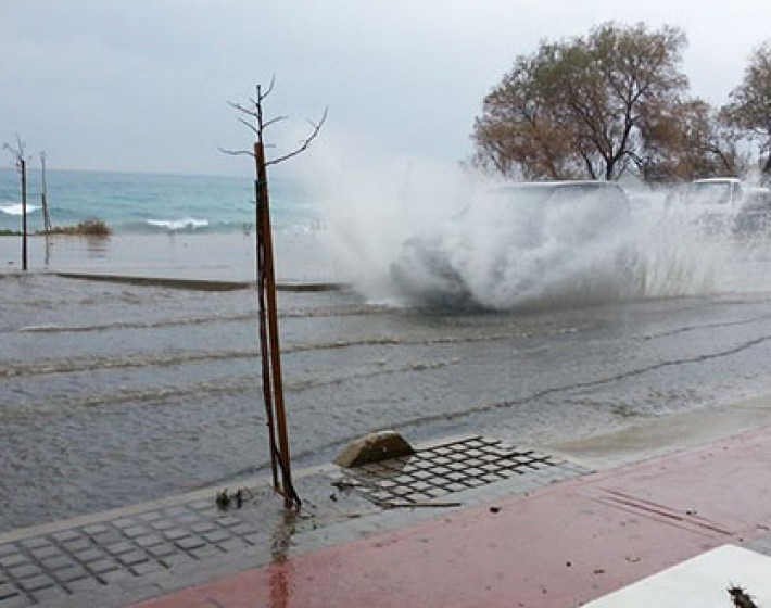 Ανοχύρωτη πόλη το Ρέθυμνο – Πλημμύρισε σε λίγα λεπτά