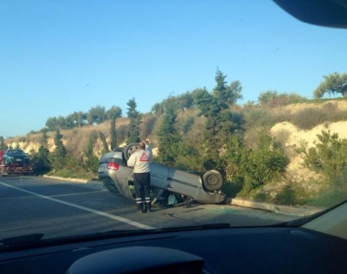 Τροχαίο ατύχημα με ανατροπή πριν τη διακλάδωση Σκαλανίου