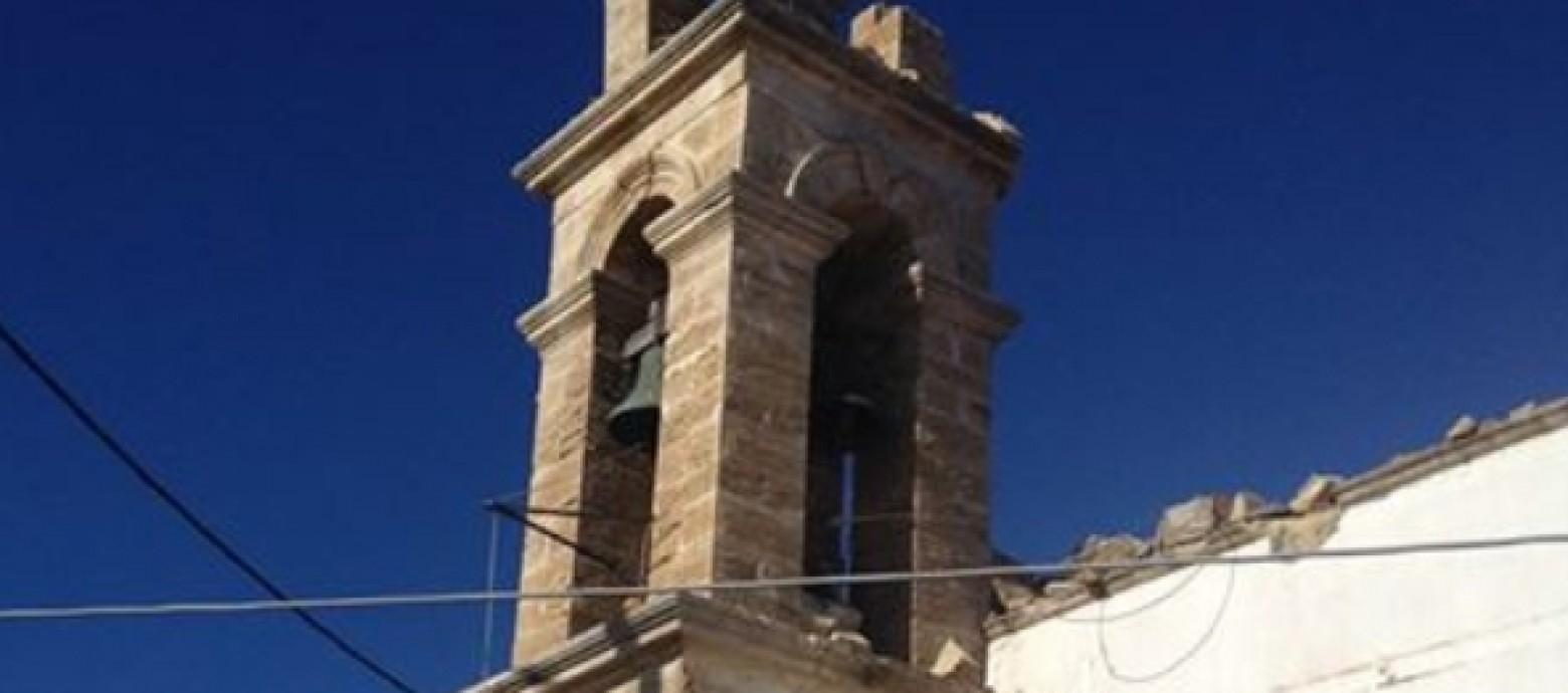 Κεραυνός χτύπησε καμπαναριό σε εκκλησία του Χανδρά