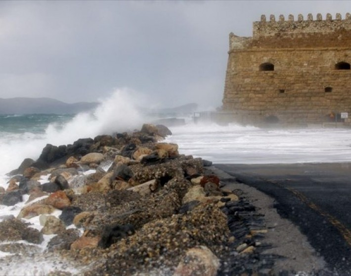 Οδηγίες από τη Δ/νση Πολιτικής Προστασίας της Περιφέρειας Κρήτης για τα έντονα καιρικά φαινόμενα
