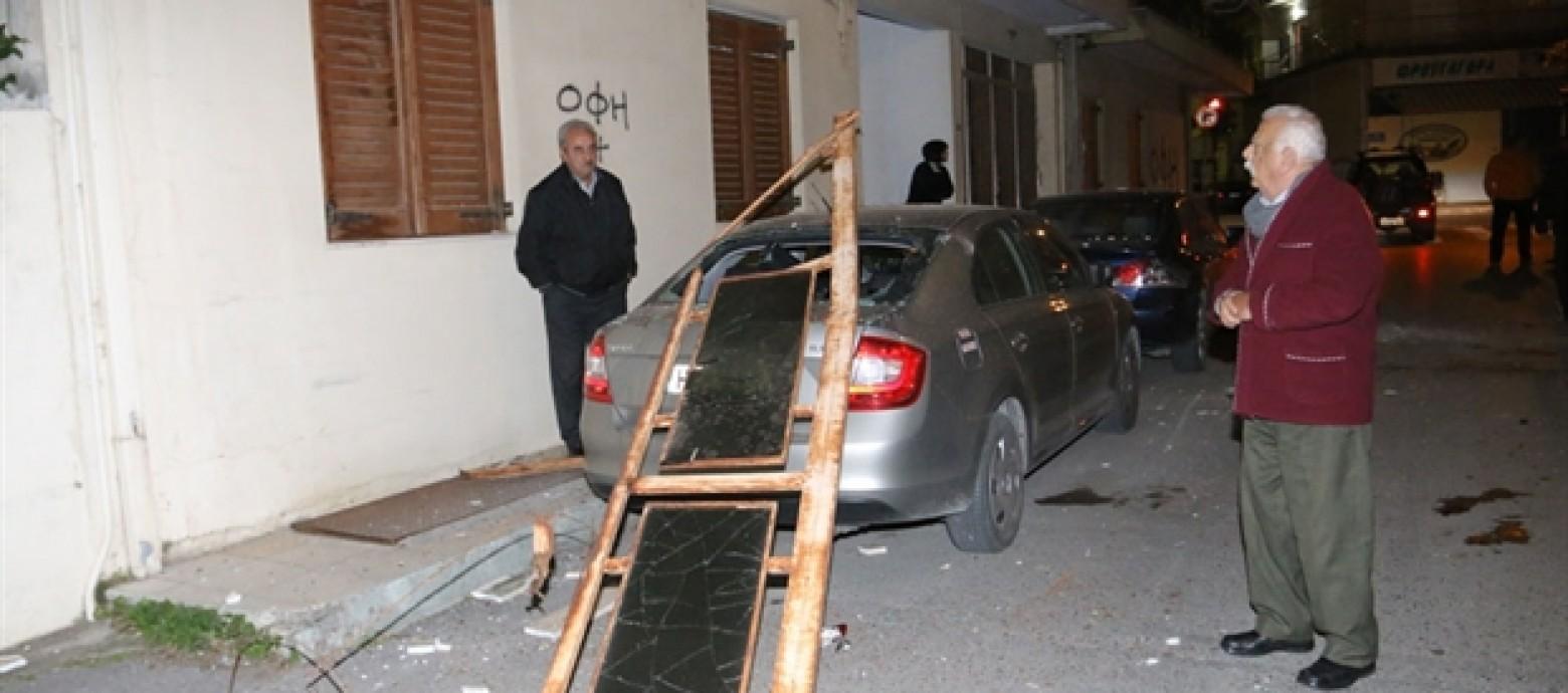 Έπεσε μπαλκόνι στη Θέρισο