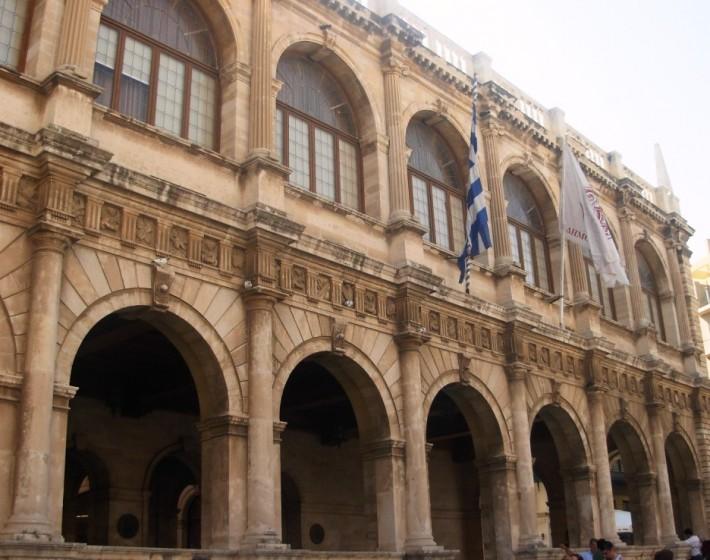 Διέρρηξαν το Δημαρχείο  Ηρακλείου