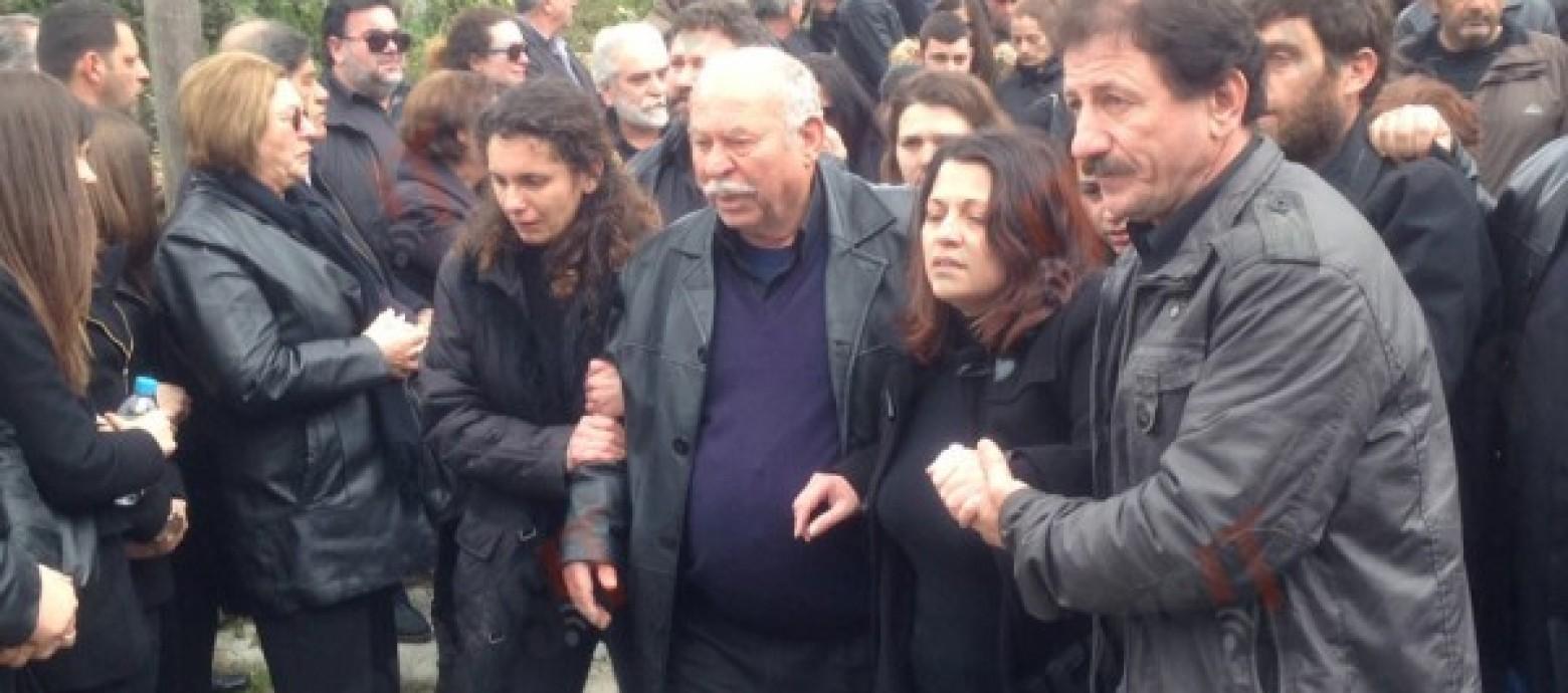 Με «μπαλωθιές» αποχαιρέτισαν το «παιδί της Ελλάδας» (βιντεο)