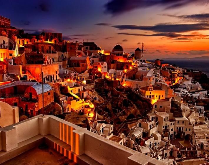 Πρώτη η Σαντορίνη, τρίτη  η Κρήτη και τέταρτη  η Ζάκυνθος στην Ευρώπη ως τα ομορφότερα νησιά