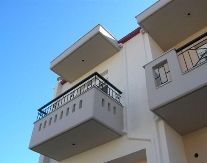 Ηλικιωμένος  έπεσε απο τον τρίτο όροφο πολυκατοικίας στο Ηράκλειο
