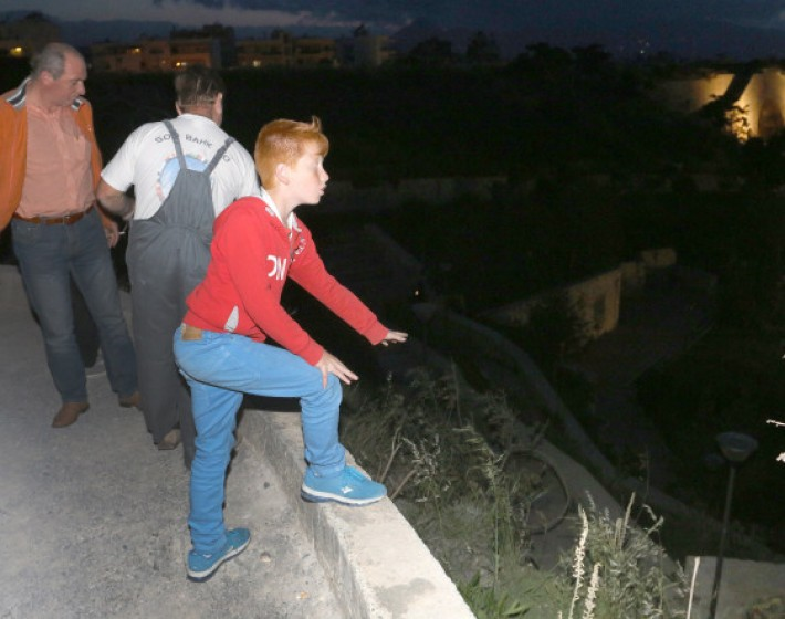 Εκτός κινδύνου ο 15χρονος που έπεσε με το ποδήλατο απο τα Ενετικά τείχη στο Μαρτινέγκο