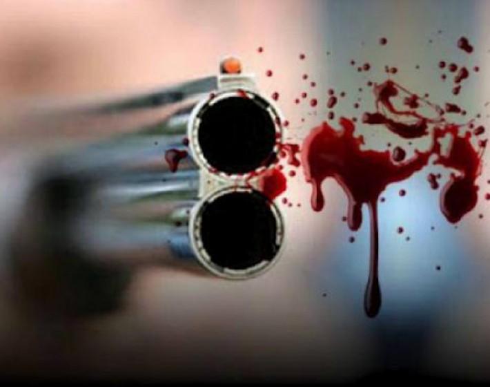 Βγήκαν τα όπλα στον Κρουσώνα – Δύο τραυματίες
