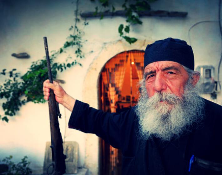 Παπα-Γιώργης Χιωτάκης: «O Ταλιμπάνης της εκκλησίας»