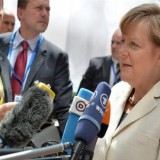 Bloomberg: Η Μέρκελ προτείνει συμφωνία με μία μόνο μεταρρύθμιση