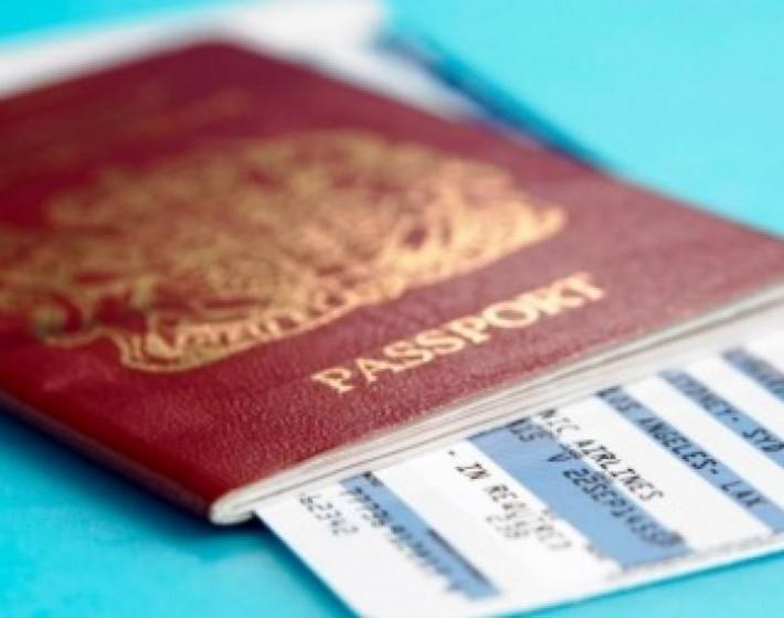 Συνελήφθησαν 2 αλλοδαποί για πλαστογραφία πιστοποιητικών στα αεροδρόμια Ηρακλείου και Χανίων