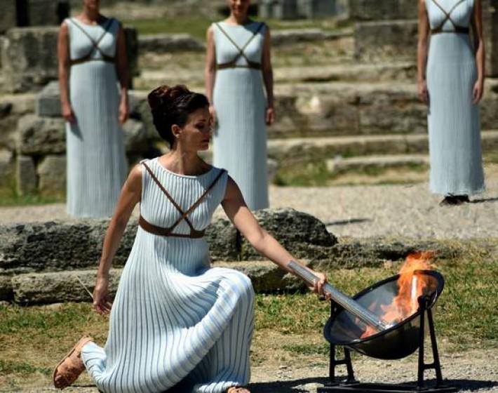 Ξεκινά το ταξίδι της Ολυμπιακής Φλόγας από την Αρχαία Ολυμπία για τη Βραζιλία