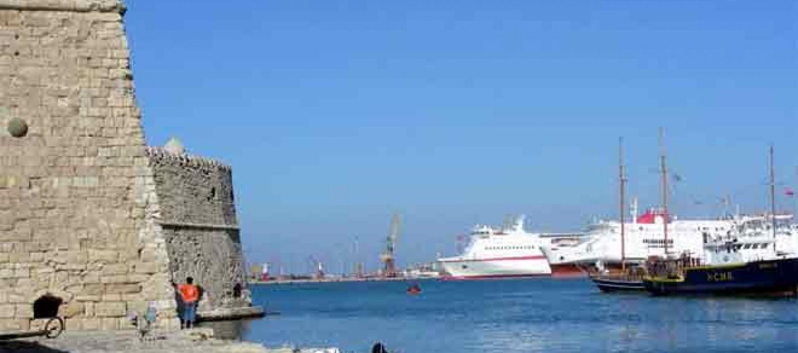 Ρύπανση από πετρελαιοειδή στο λιμάνι του Ηρακλείου