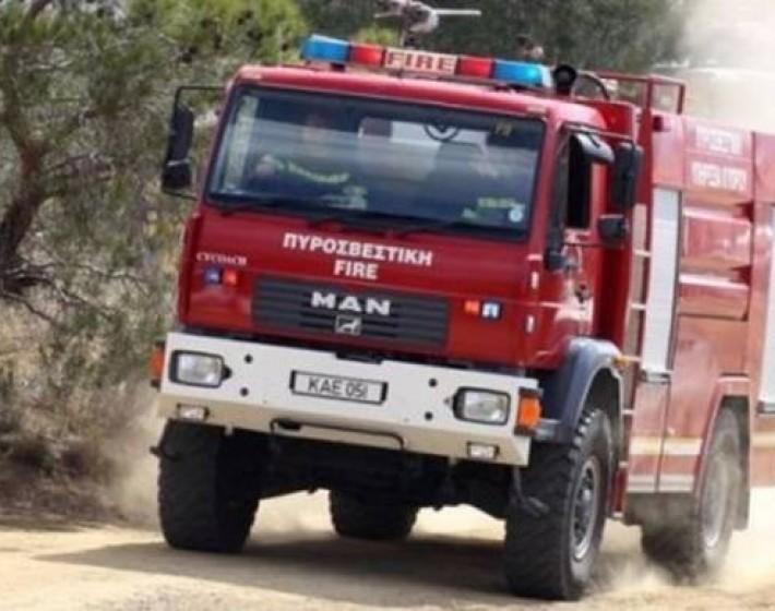 Ανετράπη πυροσβεστικό όχημα στη Βιάννο