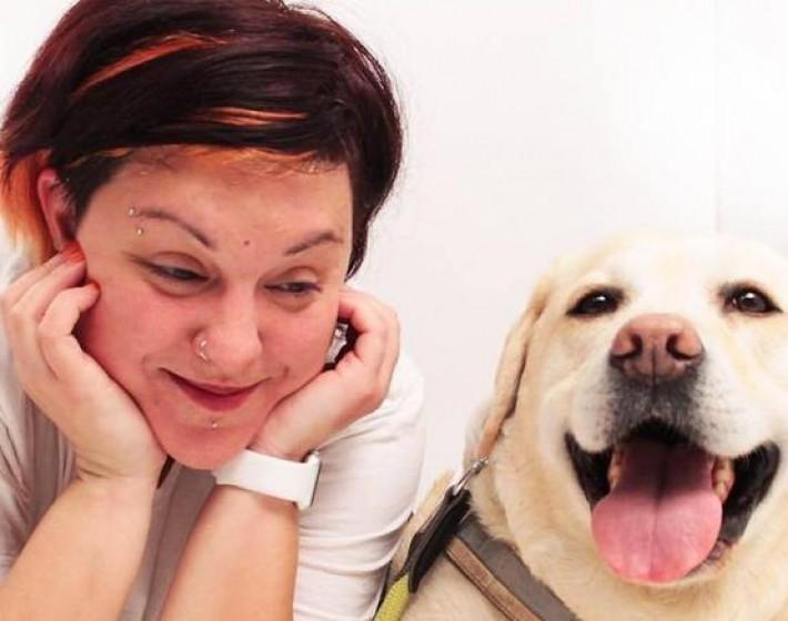 Οδηγός λεωφορείου ήθελε να κατεβάσει τυφλή και το  σκύλο -οδηγό της