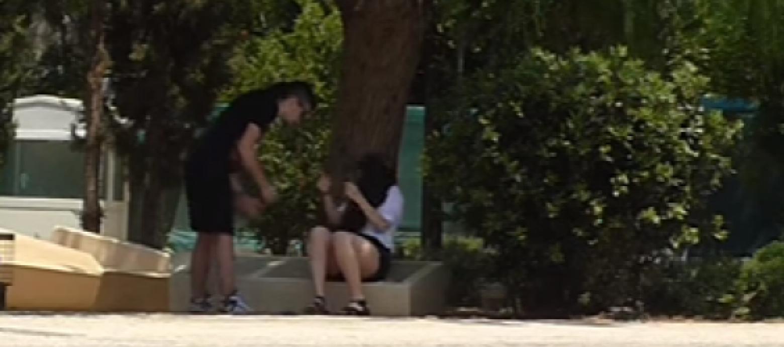 Κοινωνικό πείραμα – Κακοποιούσε την κοπέλα του – Πως αντέδρασαν οι περαστικοί (VIDEO)