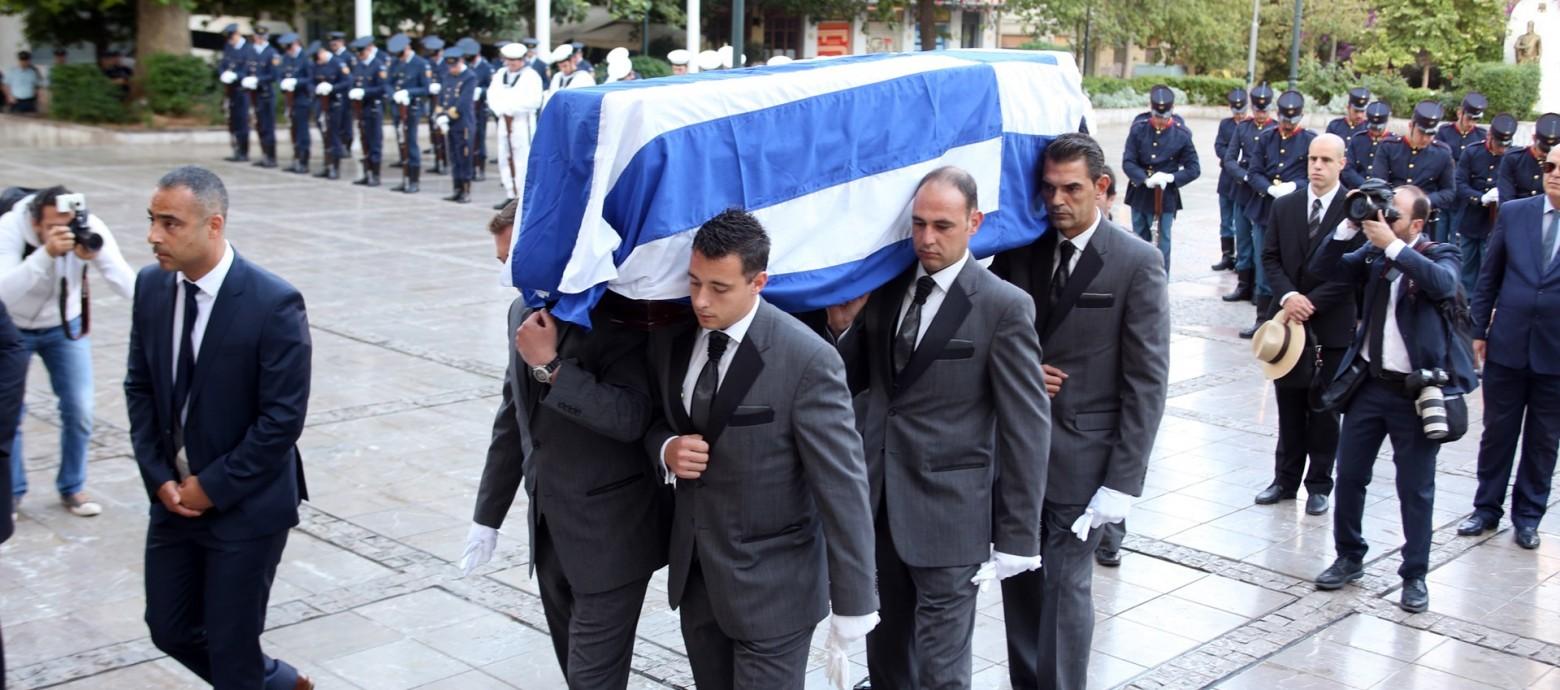 Tο τελευταίο αντίο στον Κωνσταντίνο Μητσοτάκη – Σε λαϊκό προσκύνημα η σορός του