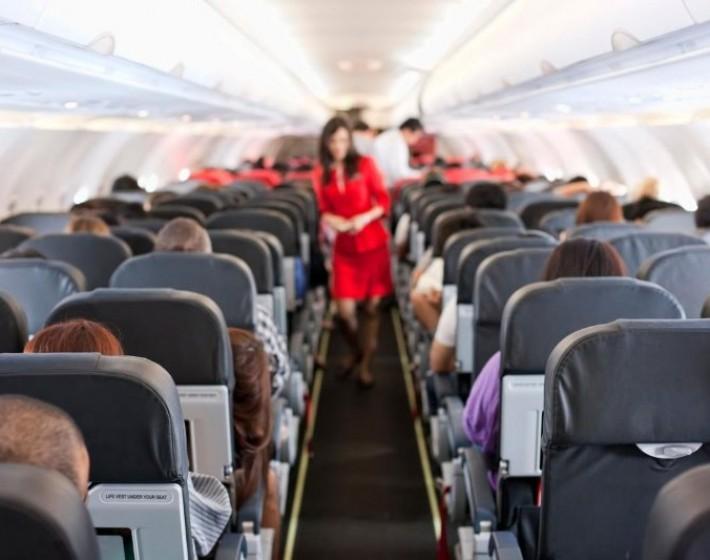 Συναγερμός στο αεροδρόμιο Ηρακλείου: Έχασε τις αισθήσεις του μέσα στο αεροπλάνο