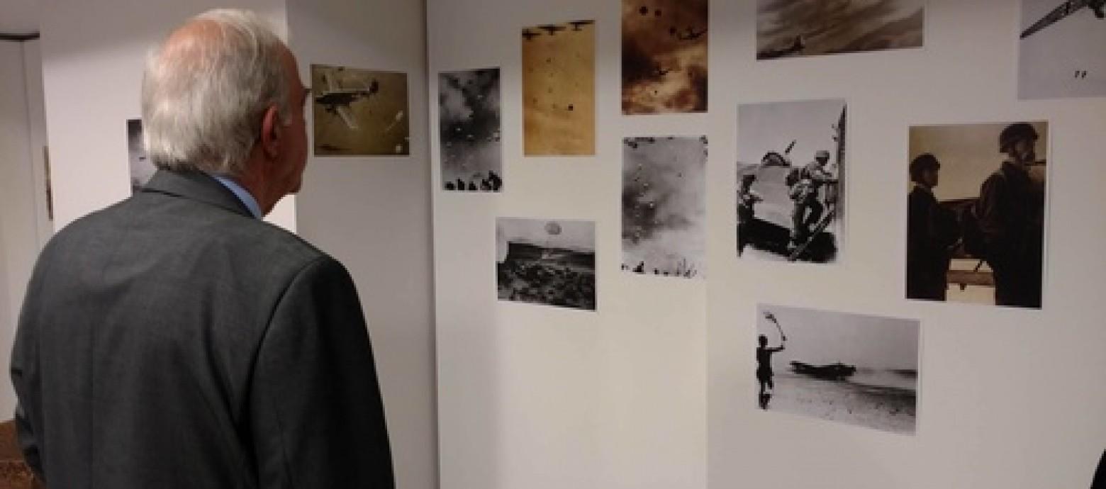 """Ο Δήμαρχος Ηρακλείου Βασίλης Λαμπρινός στην Έκθεση για την """"Μάχη της Κρήτης"""""""