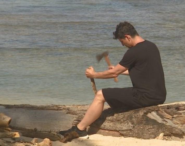 Survivor:  Δείτε τι έκανε ο Σάκης Ρουβάς στην παραλία