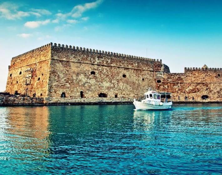 Σας παρουσιάζουμε τα ωραιότερα κάστρα στην Ελλάδα