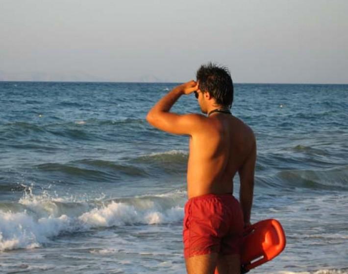 Ναυαγοσώστες στις παραλίες του Ηρακλείου..