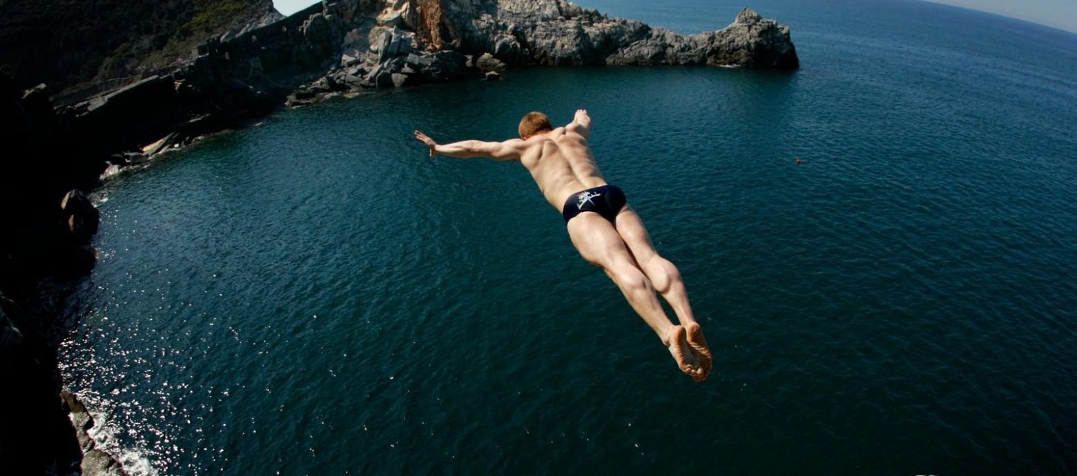 Στον Άγιο Νικόλαο Λασιθίου το εντυπωσιακό, 1ο αγωνιστικό cliff diving στην Ελλάδα