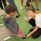 Το Μαζί για το Παιδί μοιράζει παπούτσια TOMS σε παιδιά σε όλη την Ελλάδα