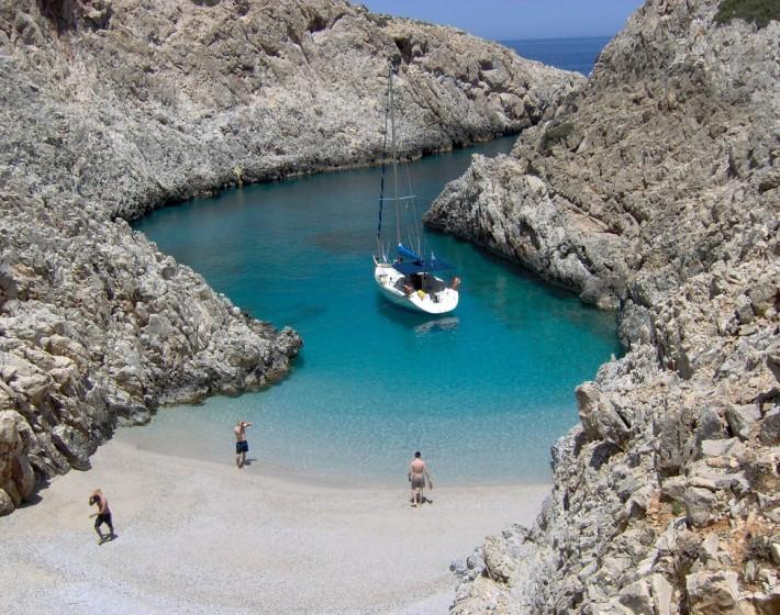 Σειτάν λιμάνια: Η παραλία της Κρήτης που κοντράρει τον Παράδεισο!