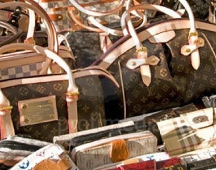 Μεγάλη αστυνομική επιχείρηση στην Χερσόνησο-Κατασχέθηκαν προϊόντα «μαϊμού»