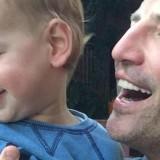 Με αφορμή την ημέρα του πατέρα ο Σάκης Ρουβάς ανέβασε φωτογραφία με όλα τα παιδιά του