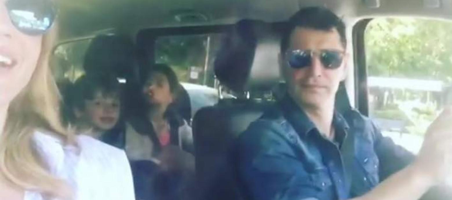 Παγκόσμια Ημέρα Μουσικής-Η οικογένεια Ρουβά τραγουδάει μέσα στο αυτοκίνητο