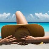 Λίγα λεπτά στον ήλιο είναι αρκετά για τη βιταμίνη D – Τι συμβαίνει στο δέρμα όταν παθαίνουμε έγκαυμα