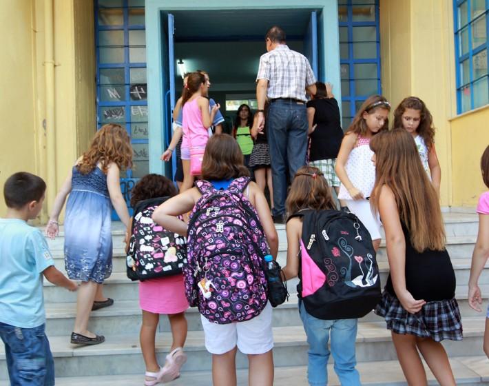 Χανιά: Συνελήφθη ηλικιωμένος για παρενόχληση μαθητών έξω από σχολείο