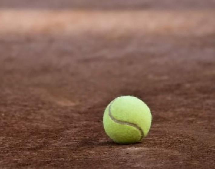 Πέθανε απο ανακοπή παίζοντας τένις