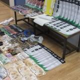 Έφερναν κοκαΐνη από τη Βολιβία εμποτισμένη σε… χαρτόνια – Αποθήκες ναρκωτικών στο Ρέθυμνο, Χανιά και στην Αθήνα