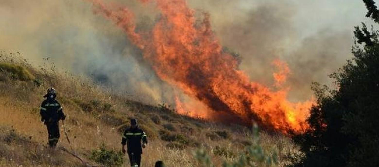 Ηράκλειο: Μεγάλη φωτιά κοντά στο Αγιο Θωμά