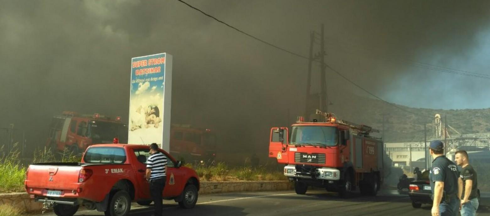 Hράκλειο: Ολοσχερώς καταστράφηκε από πυρκαγιά το εργοστάσιο Βατσινά