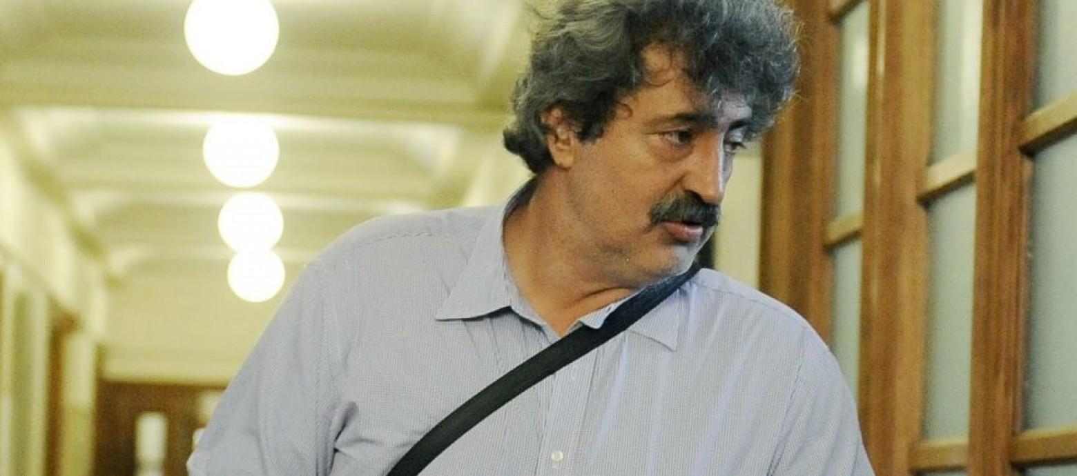 Ο Πολάκης ποστάρει τον Άδωνι σε ρόλο αγγέλου