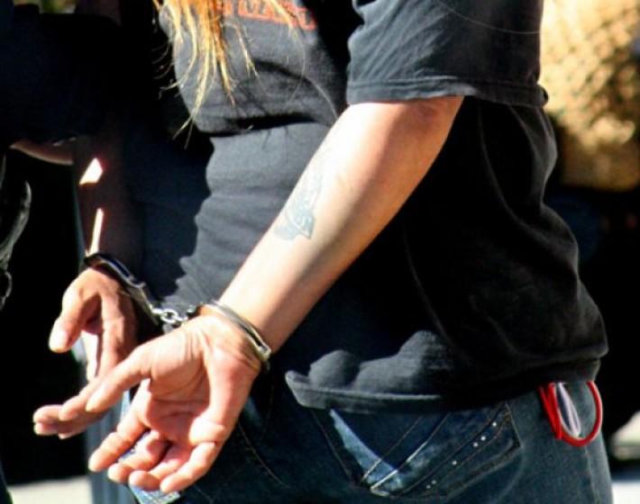 Ηράκλειο: Συνελήφθησαν δύο κοπέλες με 46  αμπούλες με αέριο γέλιου